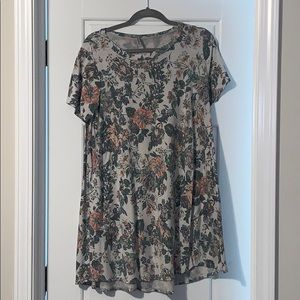 Floral tunic with pockets